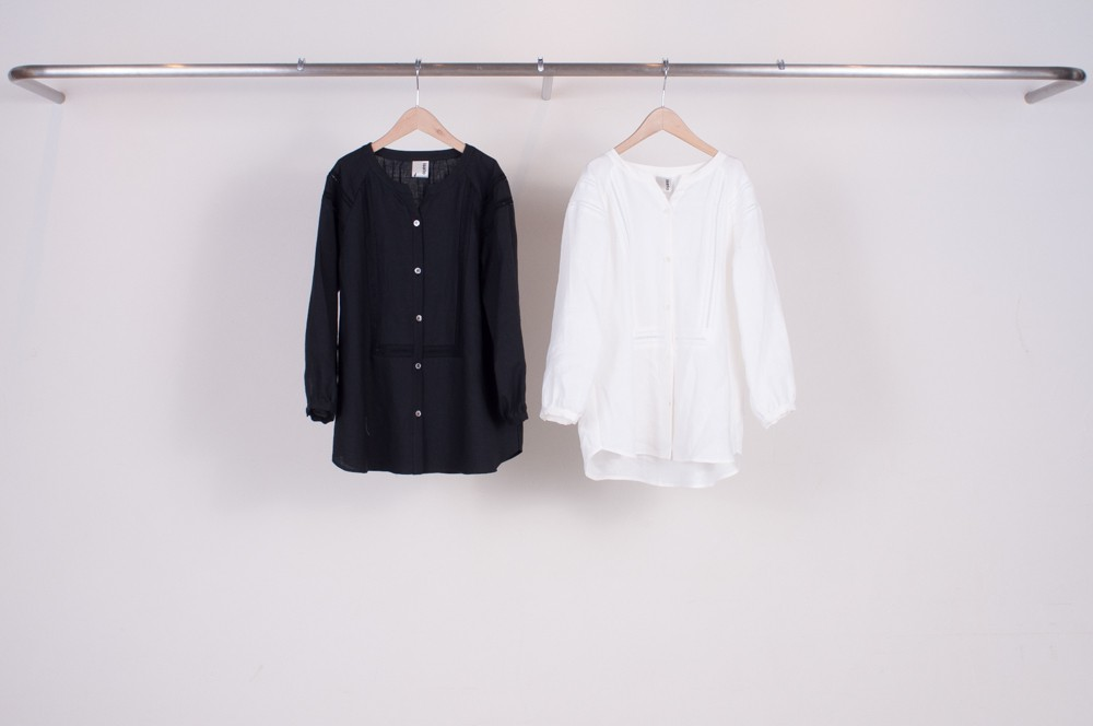 lace tape switching linen blouse