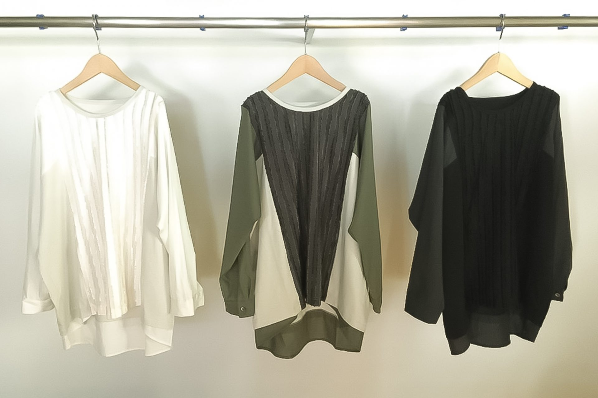 Switch material cut blouse