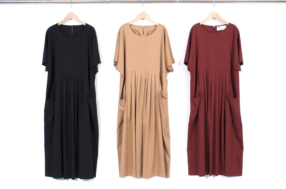 Cape sleeve tuck dress